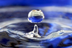 1200px-water_drop_001